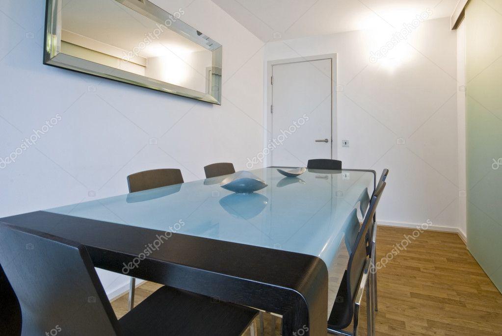 salón comedor con mobiliario minimalista contemporáneo — Fotos de ...