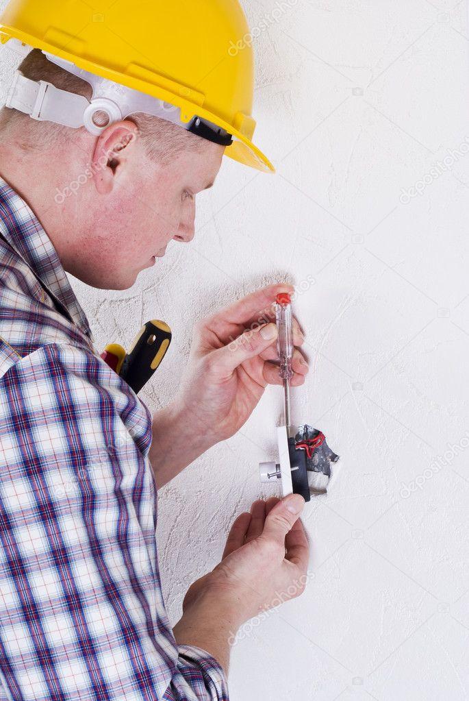 Elektriker Montage Lichtschalter — Stockfoto © caldix #4572226
