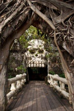 Skull door
