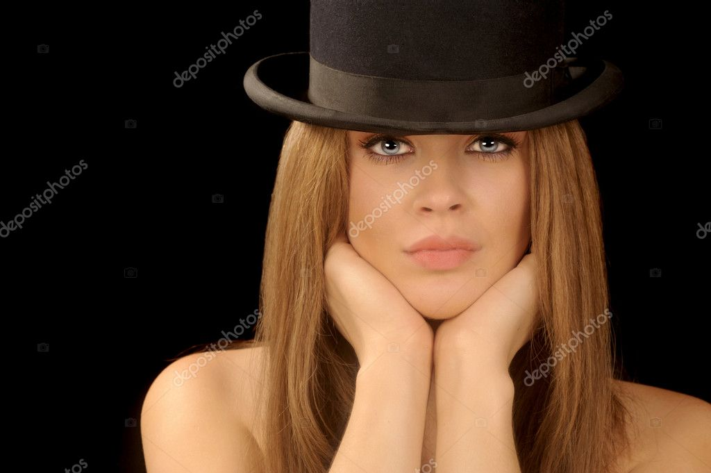 Beautiful image of a woman with vintage bowler hat — Photo by rinderart 4ddd1b0e43db