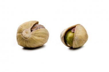 Pistachios very sensual (clipping path)