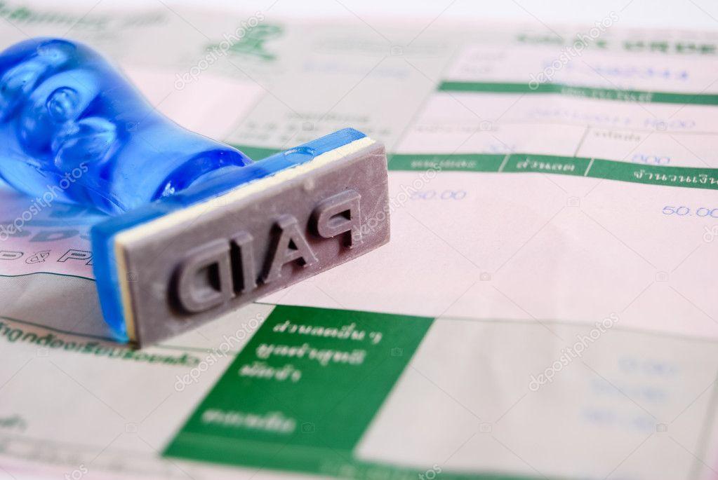 bezahlte Briefmarke auf Geldeingang — Stockfoto © zmkstudio #4830843