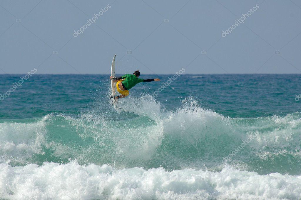 Aerial surf