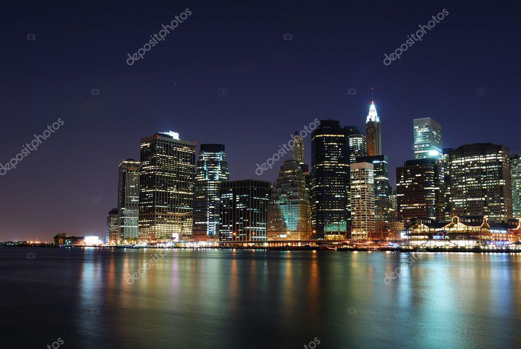 Manhattan di notte a new york city foto stock rabbit75 for Foto new york notte