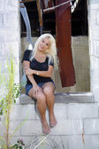 Fotografie Beautiful Blonde at an Abandoned House (7)