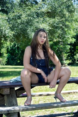 "Картина, постер, плакат, фотообои ""красивая девочка-подросток на открытом воздухе (5)"", артикул 4100688"