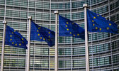 evropské vlajky v Bruselu