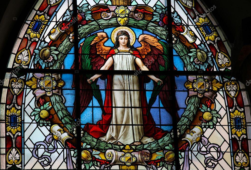 ŒUVRES CHRÉTIENNES DES FAMILLES ROYALES DE FRANCE - (Images et Musique)- année 1870  Depositphotos_4587750-stock-photo-angel-church-window