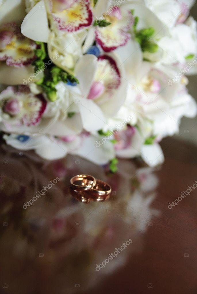 Hochzeitsstrauss Mit Orchideen Stockfoto C Evdoha 4457970