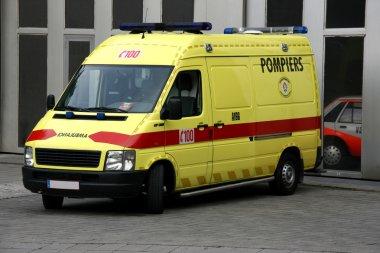 Ambulans!