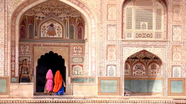 India, Woman in Amber fort