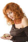červená žena s kaštany