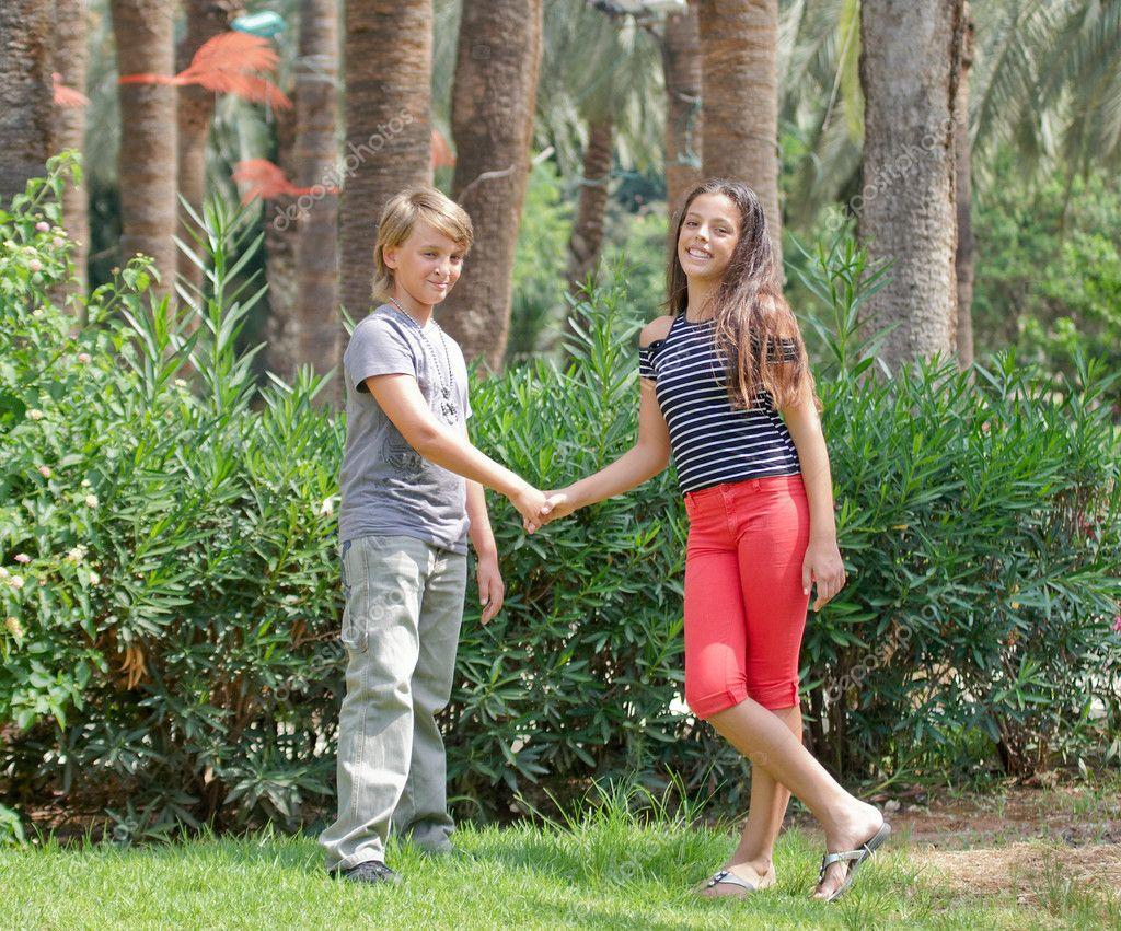 teen-boys-with-girls