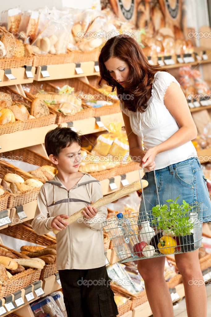 Child observation at grocery store