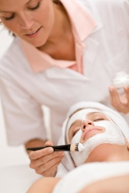 Facial mask - Woman at beauty salon