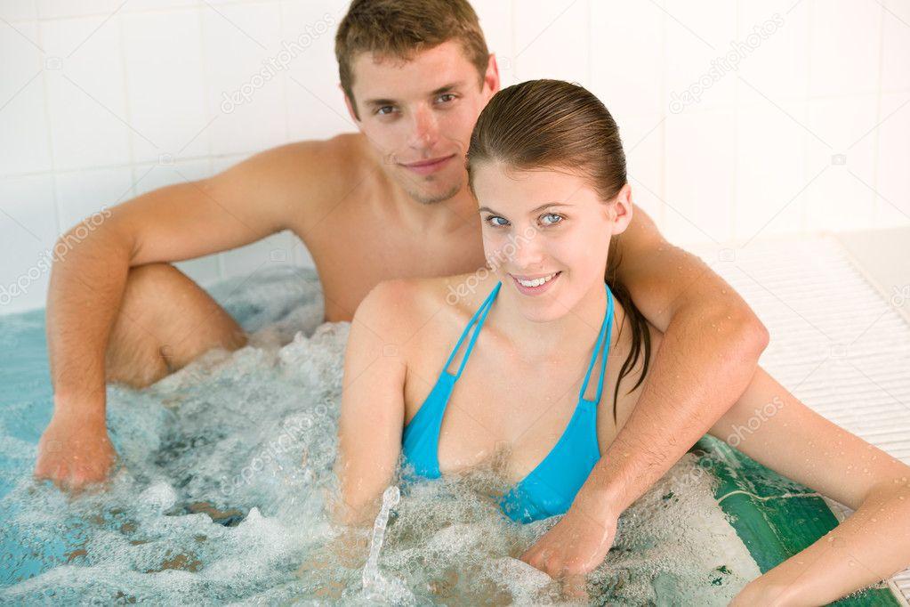 семейное фото молодых в ванне