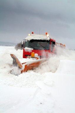 kış kar storm kar temizleme aracı