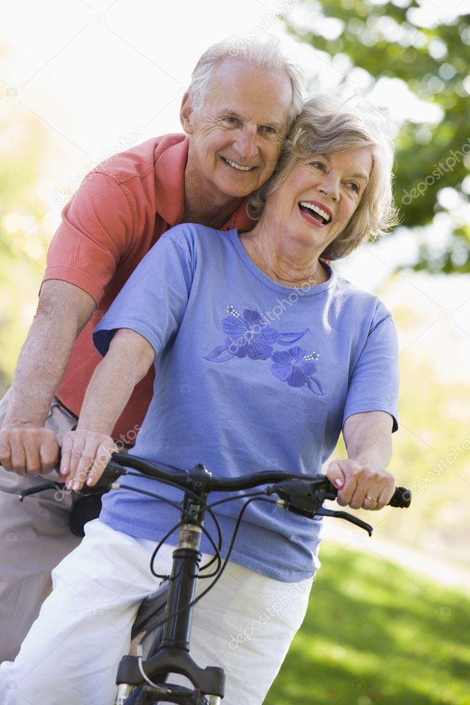 New Jersey Latino Seniors Online Dating Service