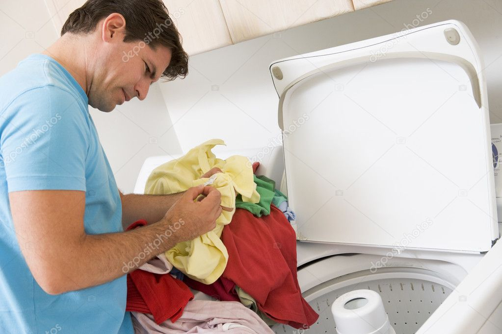 Buenas noches - Página 3 Depositphotos_4779793-stock-photo-man-doing-laundry