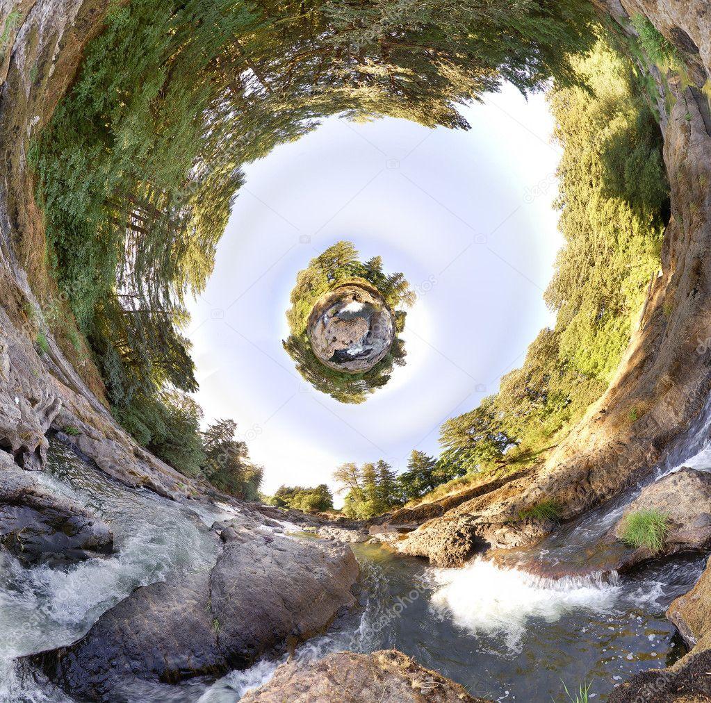 Floating Planetoid