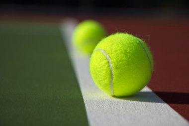 Base Line Tennis Balls