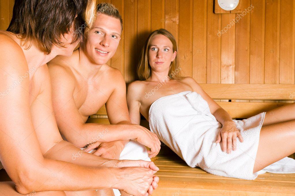 Как ебут русских жен в бане да!!!