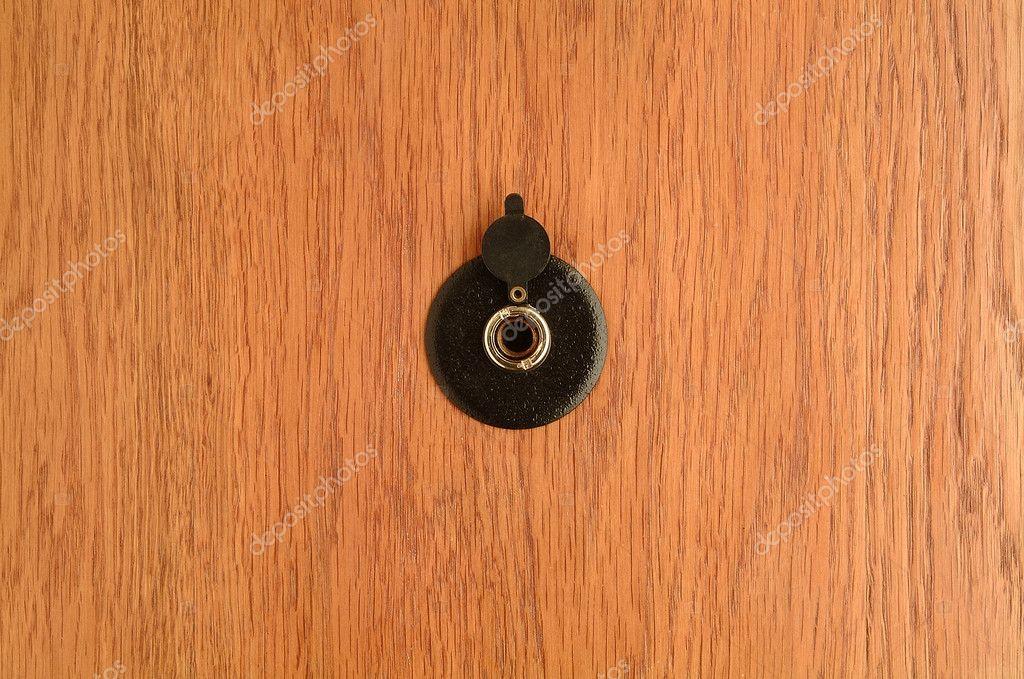 Установка глазка в деревянную дверь <br>