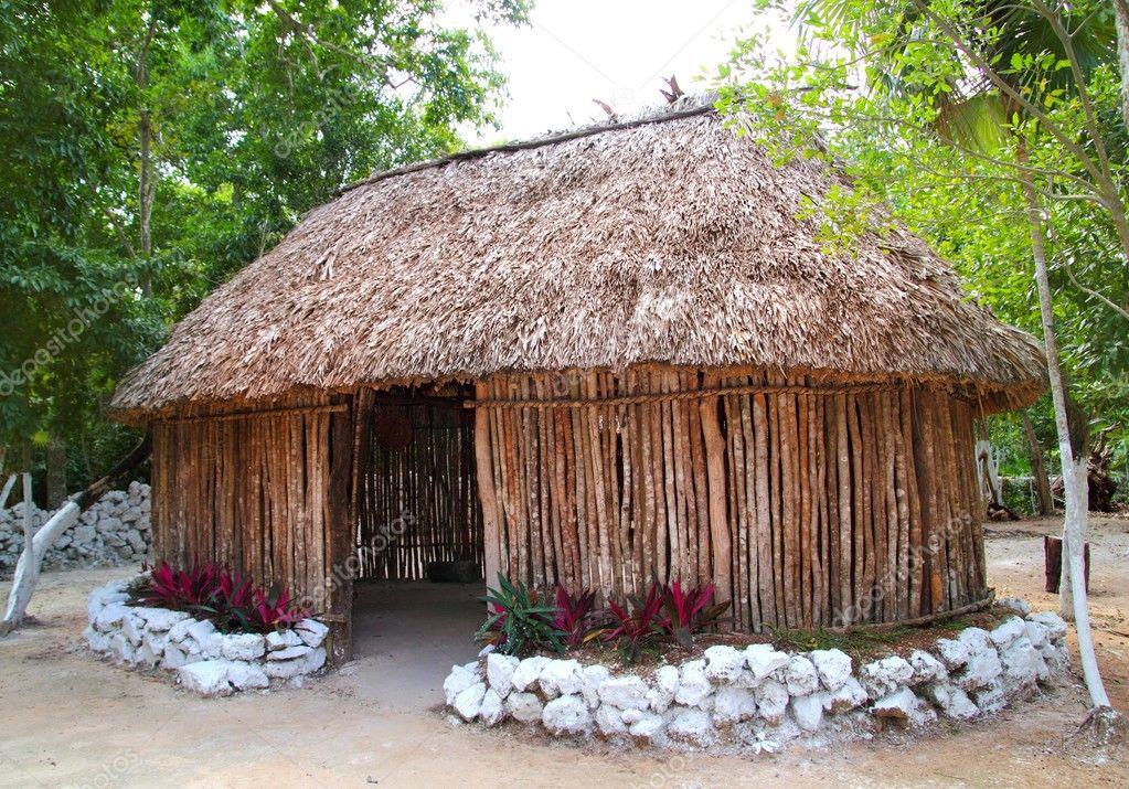 Fabulous Maya mexico houten huis cabine hut palapa — Stockfoto © TONO &SC92