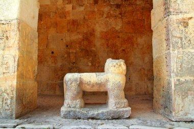 Chichen Itza Jaguar Mayan stone figure Mexico