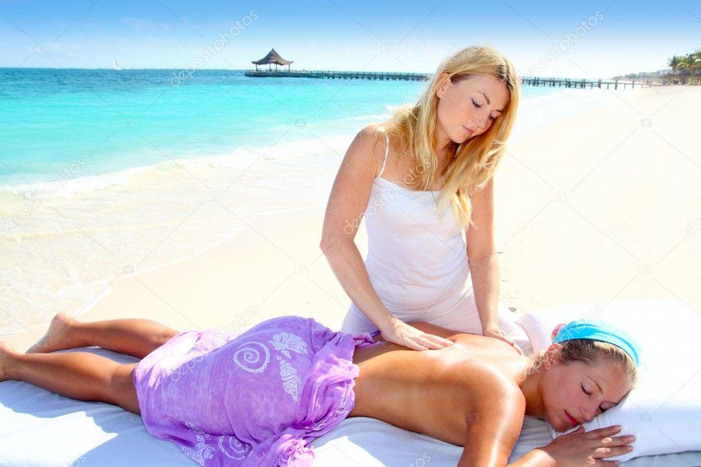 Секс массаж на пляже видео конечно