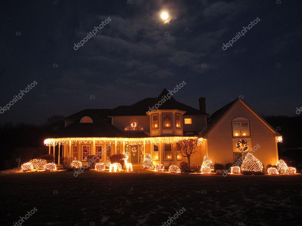 Witte Kerst Huis : Kerst huis u stockfoto jackai