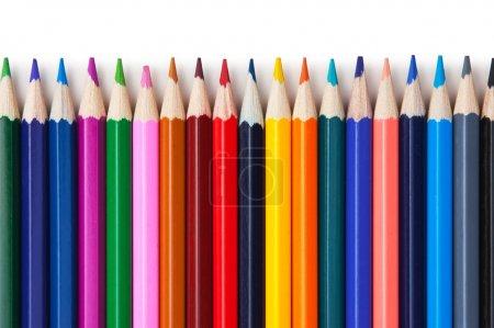 Photo pour Crayons de couleur isolés sur un fond blanc - image libre de droit