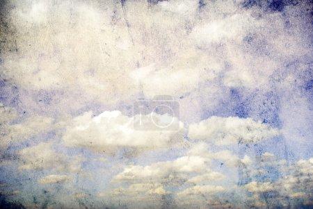 Photo pour Image rétro de ciel nuageux - image libre de droit