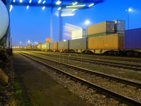 Cargo container transport