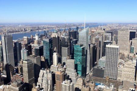 Photo pour C'est vue sur Manhattan au printemps - image libre de droit