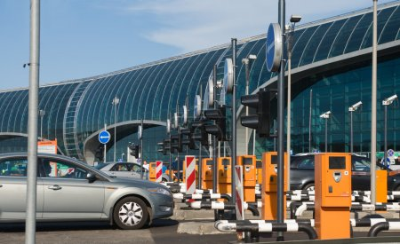 Domodedovo airport. Paid parking