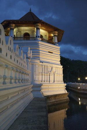 Temple of the Tooth. Evening. Sri Lanka