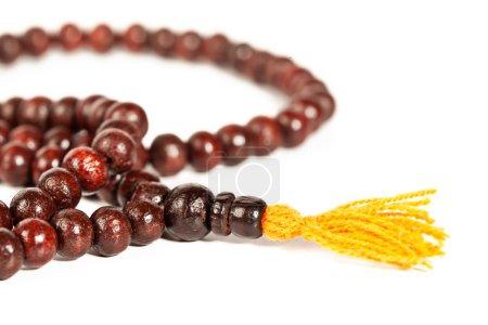 Photo pour Japa Mala - perles de prière bouddhistes ou hindoues isolées sur du blanc - image libre de droit