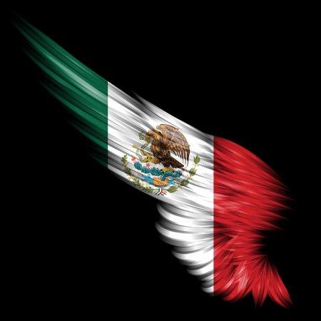 Photo pour Abstrait aile avec le drapeau du Mexique sur fond noir - image libre de droit