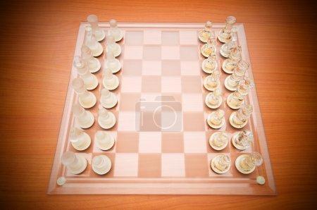 Photo pour Ensemble de figures d'échecs sur le plateau de jeu - image libre de droit