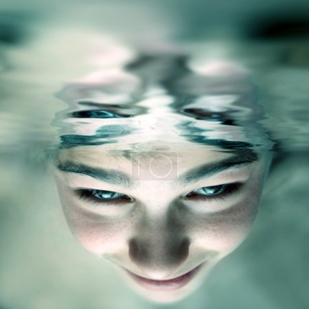 Face under water