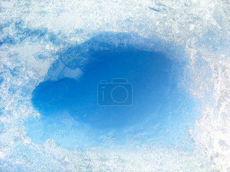 Foto de Cristal congelado con el orificio del descongelado - Imagen libre de derechos