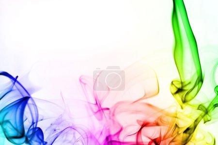 Photo pour Fumée abstraite isolée sur le blanc - image libre de droit