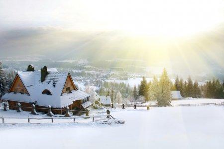 Foto de Montaña de la casa de invierno - Imagen libre de derechos
