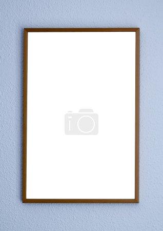 Photo pour Cadre vide sur mur blanc dans l'exposition - image libre de droit