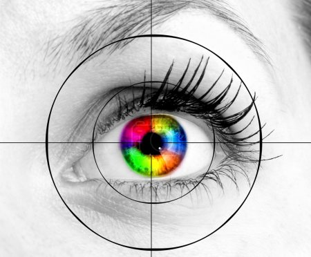 Photo pour Oeil humain coloré et cible . - image libre de droit