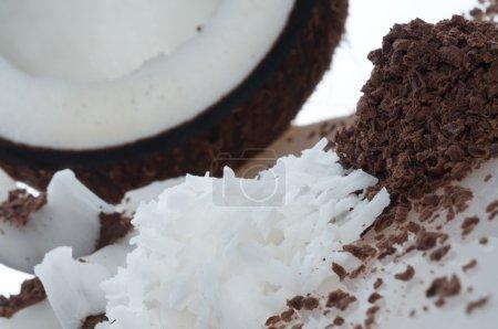 Photo pour De la pulpe de coco. Isolation sur le blanc - image libre de droit