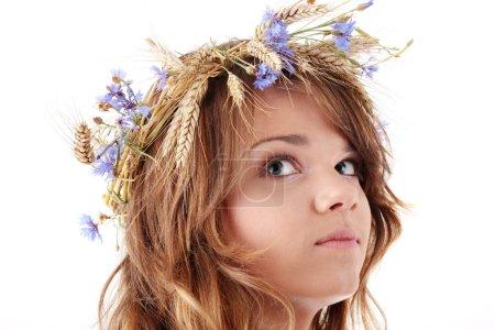 Teen girl in summer wreath