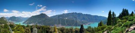 Photo pour Panorama des Alpes suisses près de lugano - image libre de droit