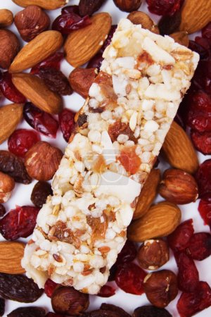 Protein rich granola bar
